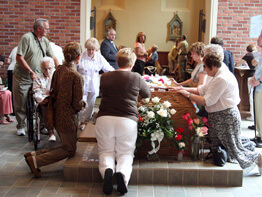 Supporters pray for beatification of Father Solanus Casey