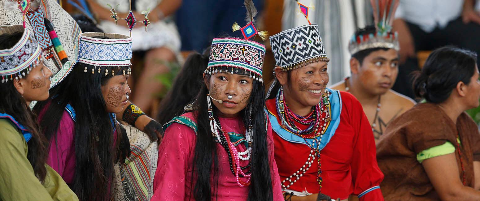 Meet panamanian women
